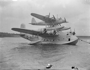 The Short - Mayo Composite , a piggy-back long-range seaplane/flying boat combination