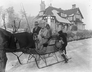 Sleighs displace taxicabs at Buxton, Derbyshire. 5 December 1925