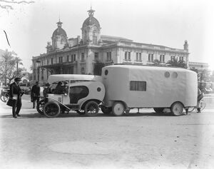 1920s/ocean/society innovation society caravan outside casino
