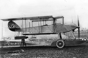 Sopwith folding - wing , two - seater seaplane with a 100 hp Gnome Monosoupape engine
