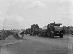 Tarring roads in Swanley, Kent. <br> 1936
