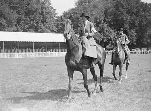 Tring agricultural show. Mrs Vivian Williams on ' Langford '. 1922