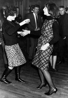 Twist 1960s dance / dancing / party season / celebration / happy vintage news archive