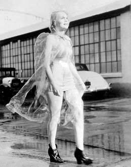 Weatherman didn't see through this!. Marie Wilson, the Hollywood actress, protects