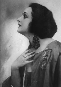 White Fingers like fireflies. Fern Andra, the German film star, who is now in London
