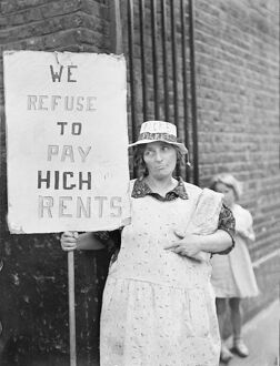 Wives as pickets in East End 'no rent' strike. What is stated to be the largest