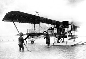 World War One - Aviation A Short Type 827 British two-seat reconnaissance seaplane